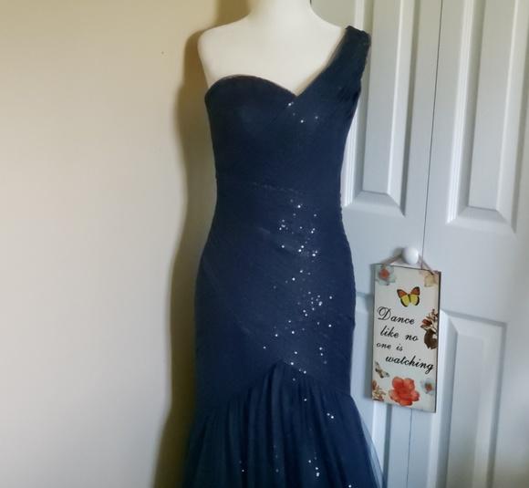 00090450e72 Neiman Marcus Monique Lhuillier dress size 6